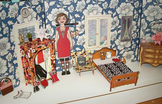 Foto der Lily Lux Kühlschrankmagnete und Figuren in ihrer eigenen kleinen Puppenstube bei Tamara